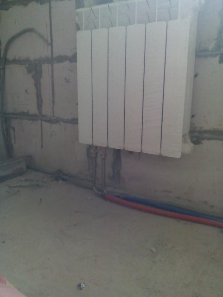 Монтаж радиаторов системы отопления загородного дома